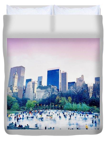 New York In Motion Duvet Cover by Shaun Higson
