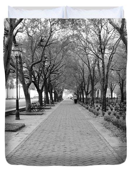 Charleston Waterfront Park Walkway - Black And White Duvet Cover