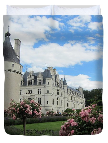 Duvet Cover featuring the photograph Chateau Chenonceau by Pema Hou