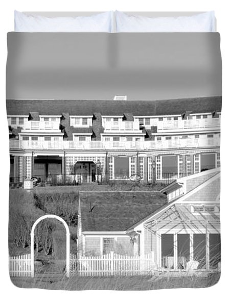 Chatham Bars Inn B And W Duvet Cover