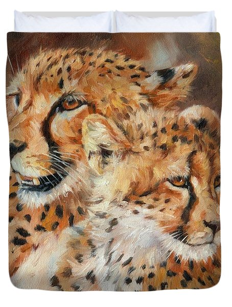 Cheetah And Cub Duvet Cover by David Stribbling