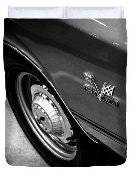 Chevrolet Chevelle 396 Black And White Picture Duvet Cover by Paul Velgos