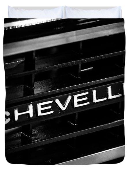 Chevy Chevelle Grill Emblem Black And White Picture Duvet Cover by Paul Velgos