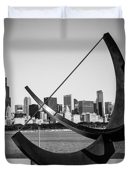 Chicago Adler Planetarium Sundial In Black And White Duvet Cover by Paul Velgos