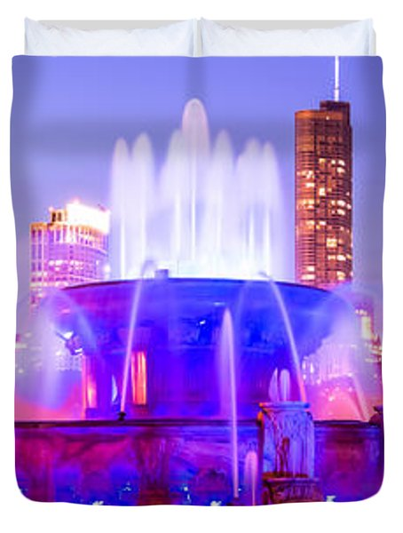 Chicago Panoramic Picture With Buckingham Fountain  Duvet Cover by Paul Velgos