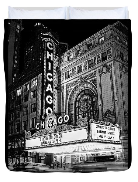 Chicago Theatre Marquee Sign At Night Black And White Duvet Cover