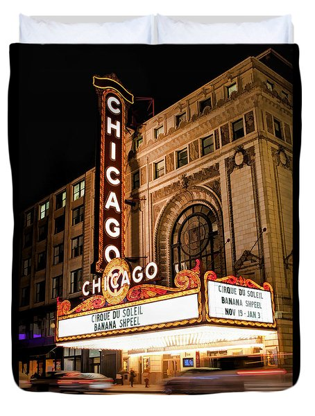 Chicago Theatre Marquee Sign At Night Duvet Cover by Christopher Arndt