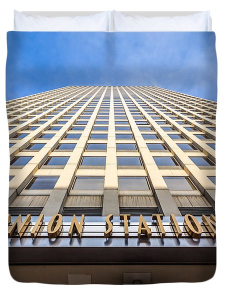 Chicago Union Station Sign And Building Exterior Duvet Cover by Paul Velgos