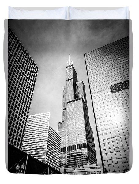 Chicago Willis-sears Tower In Black And White Duvet Cover