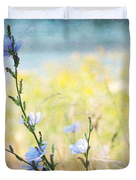 Duvet Cover featuring the photograph Chicory By The Beach by Peggy Collins