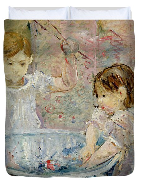 Children At The Basin Duvet Cover by Berthe Morisot