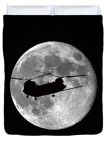 Chinook Moon B And W Duvet Cover by Al Powell Photography USA