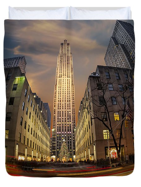 Duvet Cover featuring the photograph Christmas At Rockefeller Center by Susan Candelario