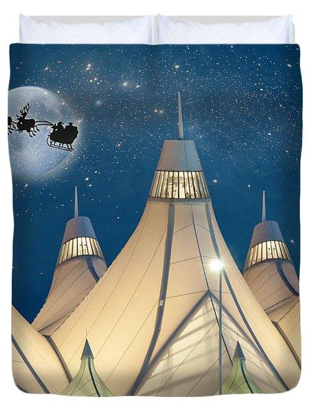 Christmas Night At Denver International Airport Duvet Cover