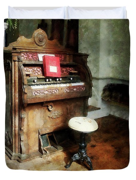 Church Organ With Swivel Stool Duvet Cover by Susan Savad