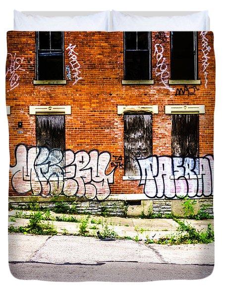 Cincinnati Glencoe Auburn Place Graffiti Photo Duvet Cover by Paul Velgos