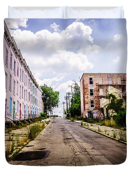Cincinnati Glencoe-auburn Place Image Duvet Cover by Paul Velgos