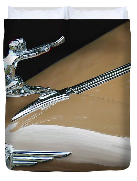 Classic Car - Buick Victoria Hood Ornament Duvet Cover