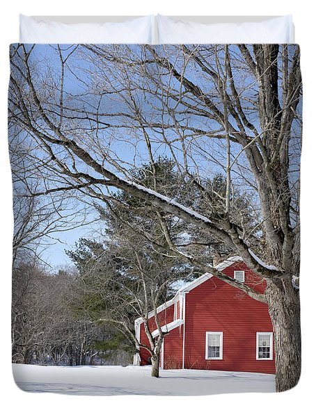 Classic Vermont Red House In Winter Duvet Cover