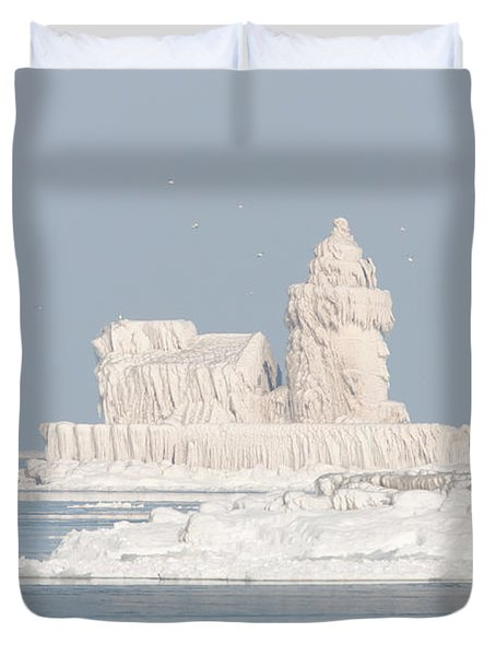 Cleveland Harbor West Pierhead Light II Duvet Cover by Clarence Holmes