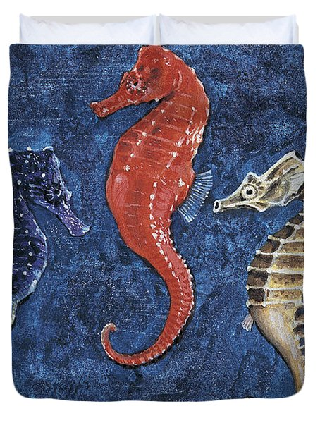 Close-up Of Five Seahorses Side By Side  Duvet Cover by English School