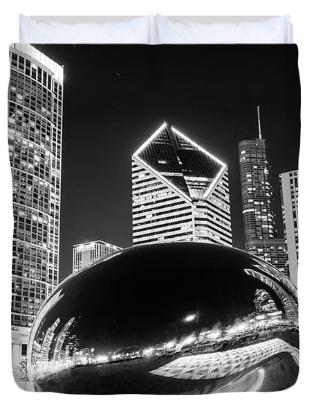 Cloud Gate Chicago Bean Black And White Picture Duvet Cover by Paul Velgos