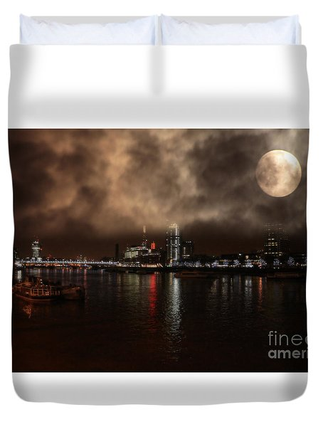 Victoria London  Duvet Cover