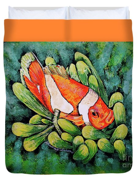 Clown In The Anemone Duvet Cover by Linda Simon