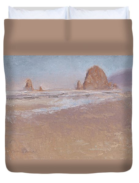 Coastal Escape  Cannon Beach Oregon And Haystack Rock  Duvet Cover