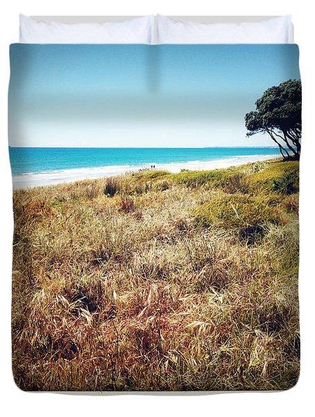 Coastline Duvet Cover by Les Cunliffe