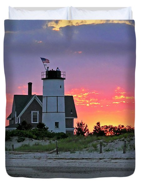 Cocktail Hour At Sandy Neck Lighthouse Duvet Cover