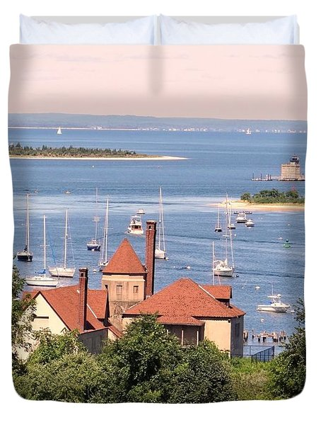Duvet Cover featuring the photograph Coindre Hall Boathouse by Ed Weidman