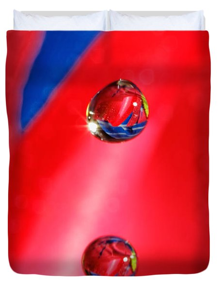 Duvet Cover featuring the photograph Colorful Water Drop by Peter Lakomy