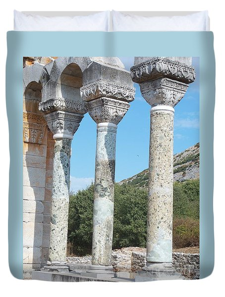 Duvet Cover featuring the photograph Columns by Marilyn Zalatan