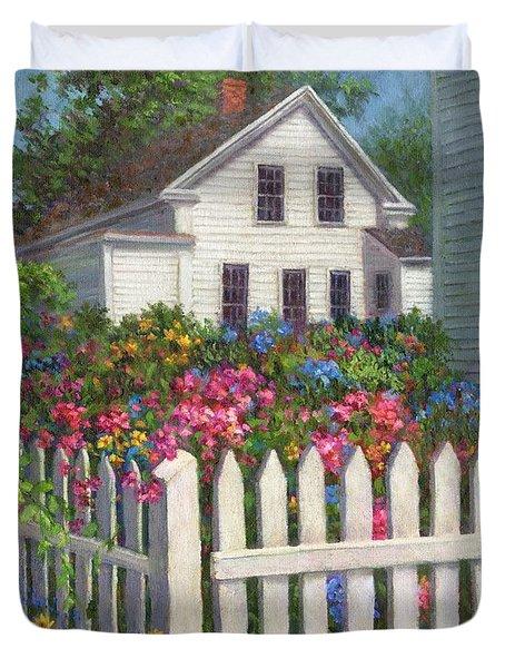 Come Into The Garden Duvet Cover by Susan Savad