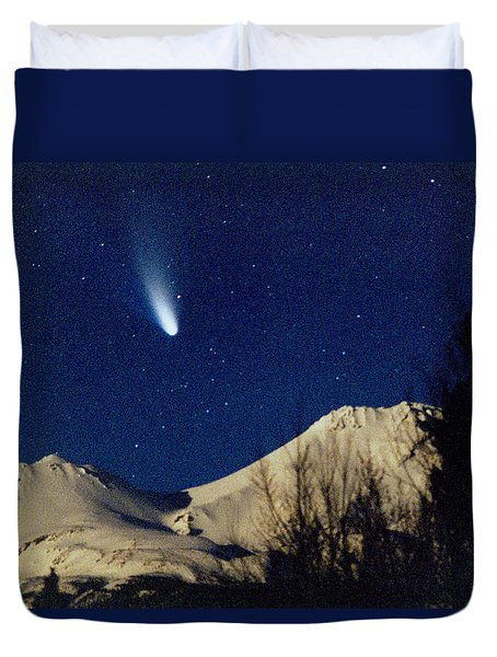 Comet Hale Bopp Rising Over Mount Shasta 01 Duvet Cover