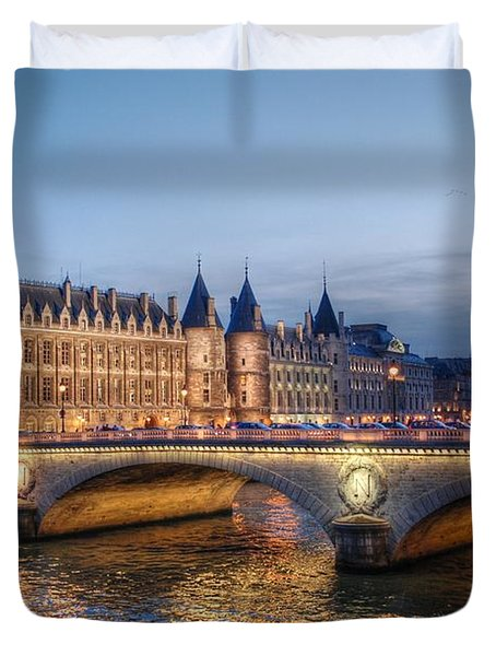 Conciergerie And Pont Napoleon At Twilight Duvet Cover by Jennifer Ancker