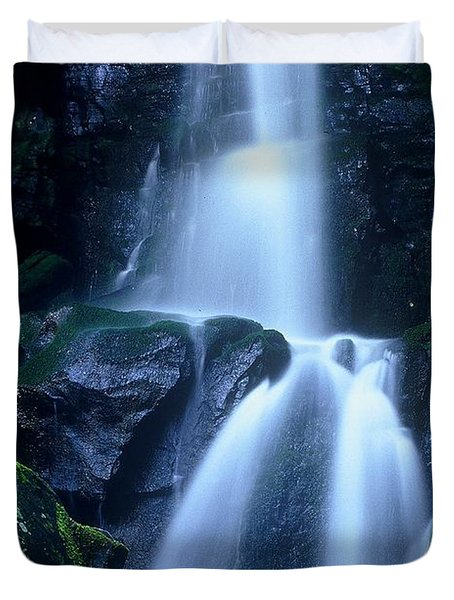 Duvet Cover featuring the photograph Cool Sanctuary by Rodney Lee Williams