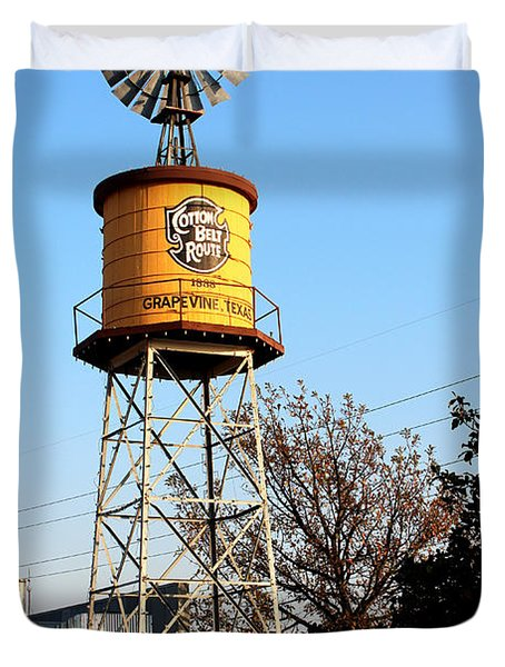 Cotton Belt Route Water Tower In Grapevine Duvet Cover