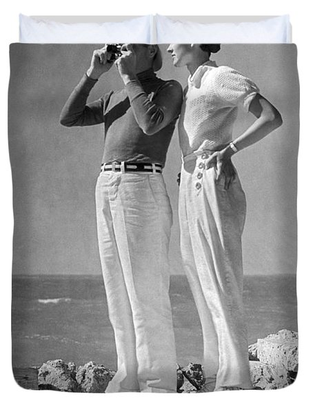 Couple On The Maine Shore Duvet Cover by Underwood Archives