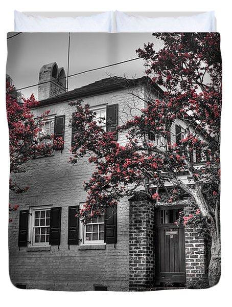Crape Myrtles In Historic Downtown Charleston 1 Duvet Cover