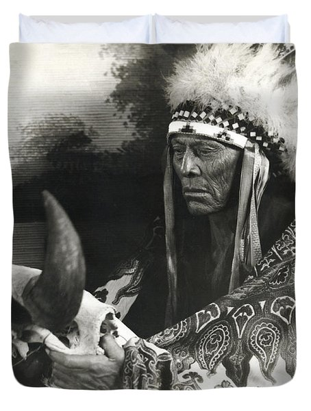 Cree Chief With Buffalo Skull Duvet Cover