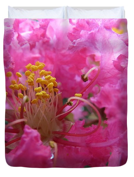 Crepe Myrtle In The Middle Duvet Cover