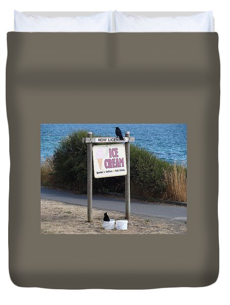 Duvet Cover featuring the photograph Crow In The Bucket by Cheryl Hoyle