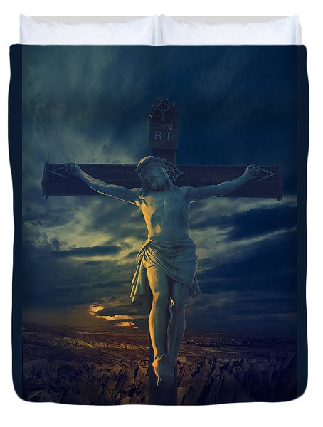 Crucifixcion Duvet Cover