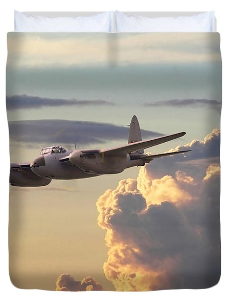 D  H Mosquito - Pathfinder Duvet Cover by Pat Speirs