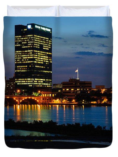 D12u152 Toledo Ohio Skyline Photo Duvet Cover