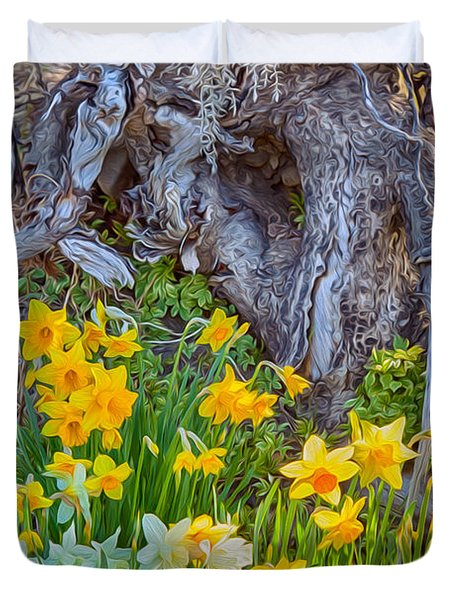 Daffodils And Sculpture Duvet Cover by Omaste Witkowski