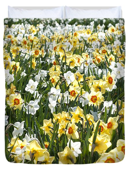 Duvet Cover featuring the photograph Daffodils by Lana Enderle