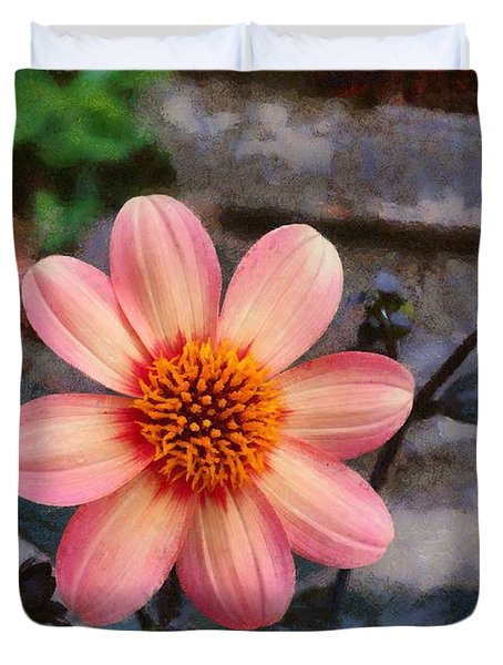 Duvet Cover featuring the digital art Dahlia First Love by Paul Gulliver